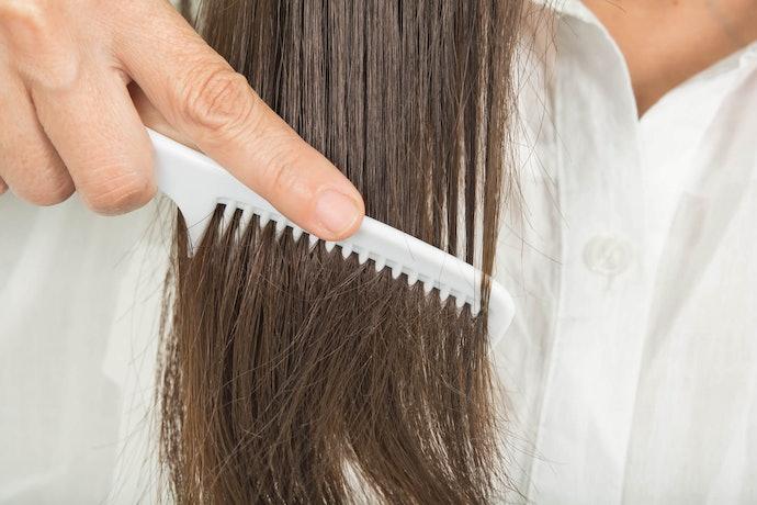Moisturising Oils for Dry Hair