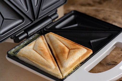 What's the Difference Between a Sandwich Maker and a Panini Press?