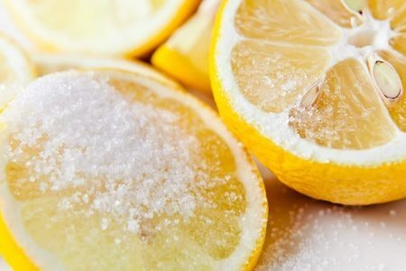 Use a Mix of Lemon Juice and Sugar to Keep the Henna for Longer