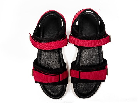 Choose Between Open-Toe and Closed-Toe Type