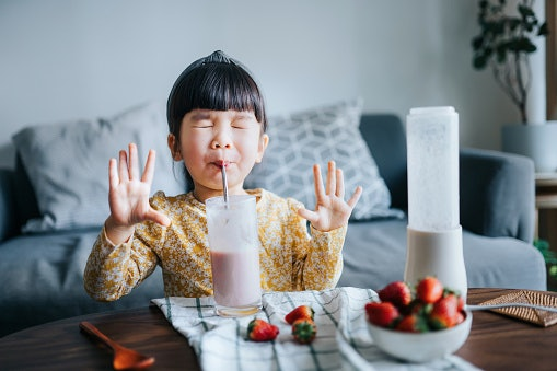 Choose Between Flavored (Chocolate, Vanila, more) and Unflavored Almond Milk