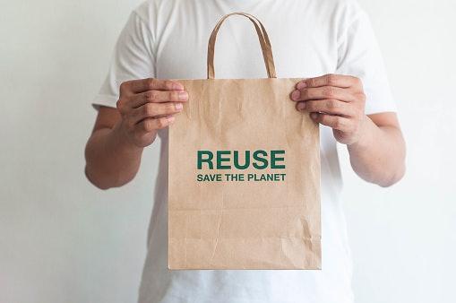 Reusable Bags Conserve Resources