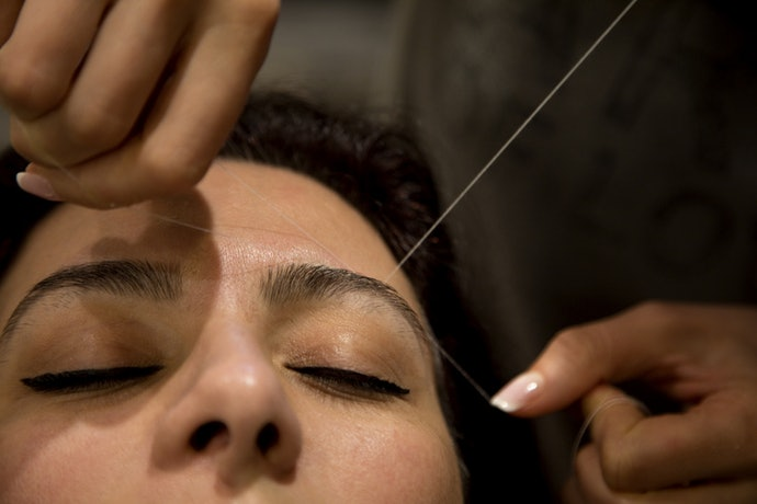 If You Want Your Eyebrows to Look and Feel Perfect, Go With Threading Machines