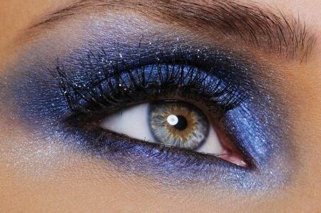 Got Blue or Grey Eyes? Choose Earthy Colours like Bronze and Copper