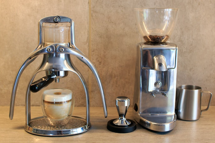 Check If the Coffee Maker is Electric, Manual or Stove top
