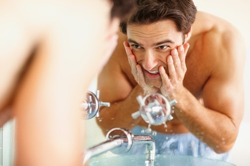 Face Washes Help in Managing Various Skin Issues