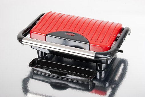 For Safer and Easier Handling, Get One With Ergonomic Handles