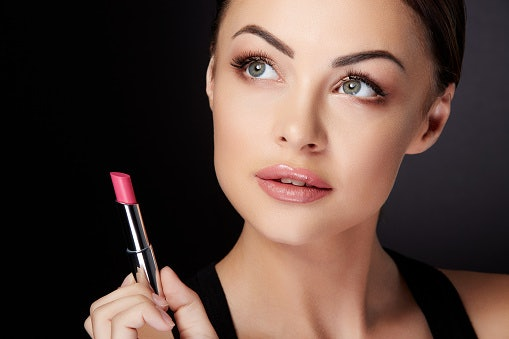 Look for Moisturising Formulas if You Have Dry Lips