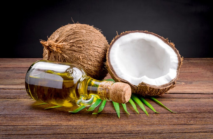 Oils to Apply on Your Scalp and Hair