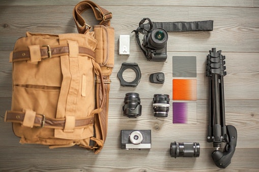 Shoulder Bags Give Room to Carry Additional Lenses