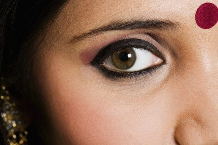 Go for Purples and Pinks Like Lilac or Peach if You Have Green Eyes
