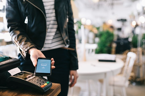 For Easy Transactions, Get One With a Wallet Option