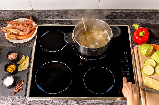 If You're a Family of 4, Prefer a 4-Zone Induction Cooktop