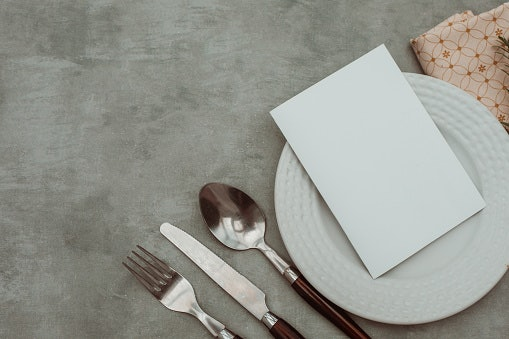 Stoneware Dinner Sets Require Extra Care