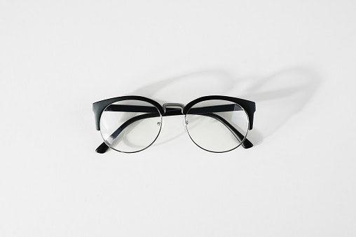 Clear Lenses Are Ideal for 3 to 4 Hours of Screen Time