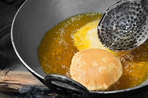 If You Cook Deep-Fried Food, Pick an Oil With a High Smoking Point of About 200°C