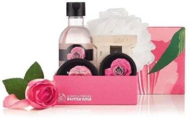 The Body Shop Petal-Soft British Rose Pampering Essentials Gift Set 1