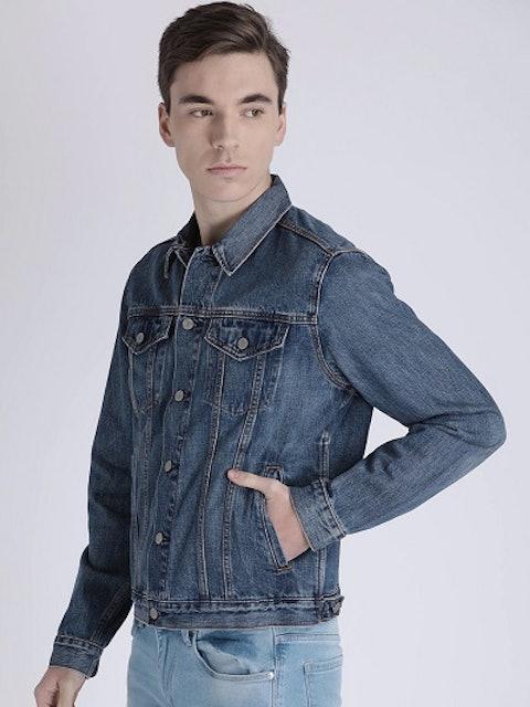 Levi's Men Blue Vintage Fit Washed Denim Trucker Jacket 1