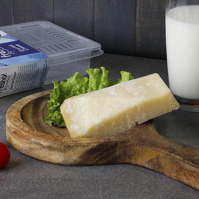 Fresho Signature Parmesan Gran Spico Cheese 1