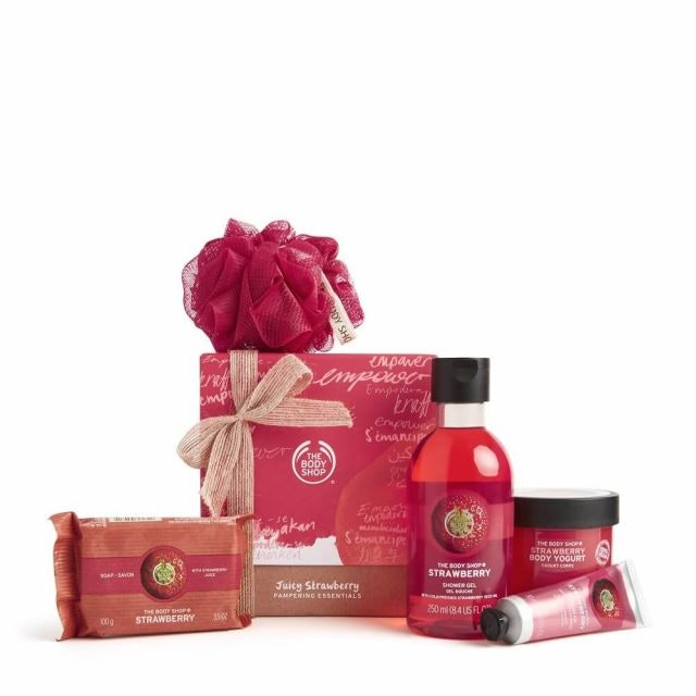 The Body Shop Juicy Strawberry Pampering 1
