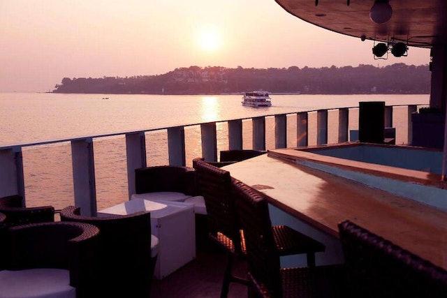 Make My Trip Dinner Cruise in Goa 1