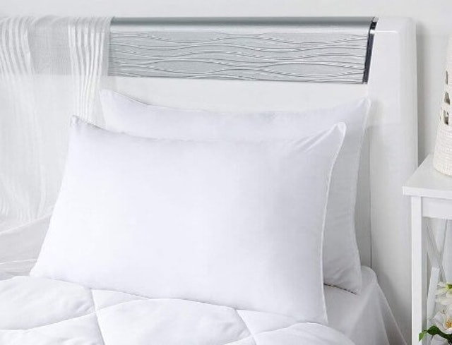 Solimo Ultra Soft Bed Pillow 1