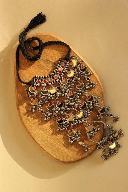Tanu Necklace 1