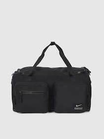 Top 10 Best Gym Bags for Men in India 2021 (Under Armour, Nike, and more) 3