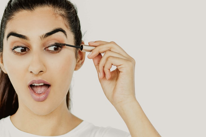 Various Ways to Use: Like a Brow Gel and an Eyelash Primer
