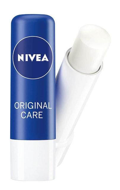 3. Nivea Lip Balm Original Care 1