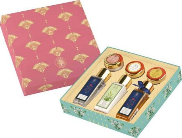 5. Forest Essentials Facial Indulgence Gift Box 1