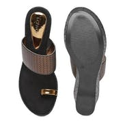 Top 10 Best Sandals for Women in India 2021 (Birkenstock, Ginger, and more)